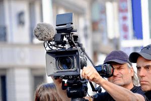 תמונה-ראשית-עמוד-צלם-וידאו-סנאפשוטס-סטודיו-לצילום-צילום-חתונות-צילומי-טראש-צילום-אירועים-צילומי-היריון-מגנטים-לאירועים